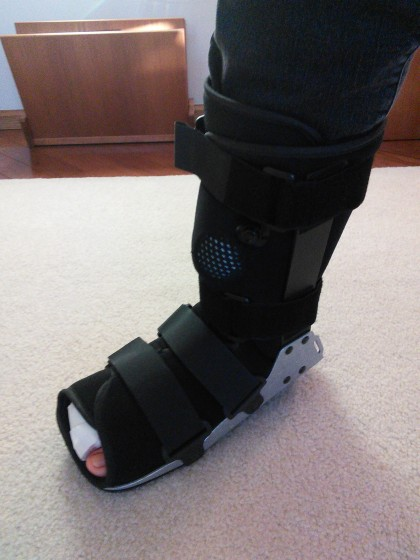 Uncomfortably, clumsy boot for walking