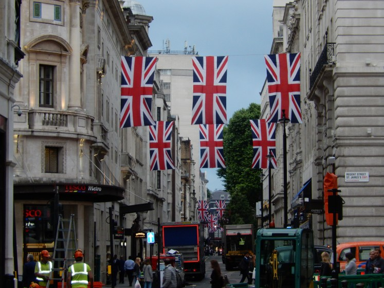 All the British flags hung on this street made it a pretty sight--in spite of the construction vehicles.
